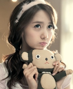 Chubby-Yoona-SNSD-Hairstyles-2012-Girls-Generation-Korean-Fashion-Style-Trends