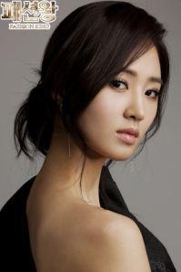seohhyun-and-yuri-snsd-seohyun-and-yuri-seori-32053804-491-737